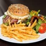 Deliciosas hamburguesas con tocino